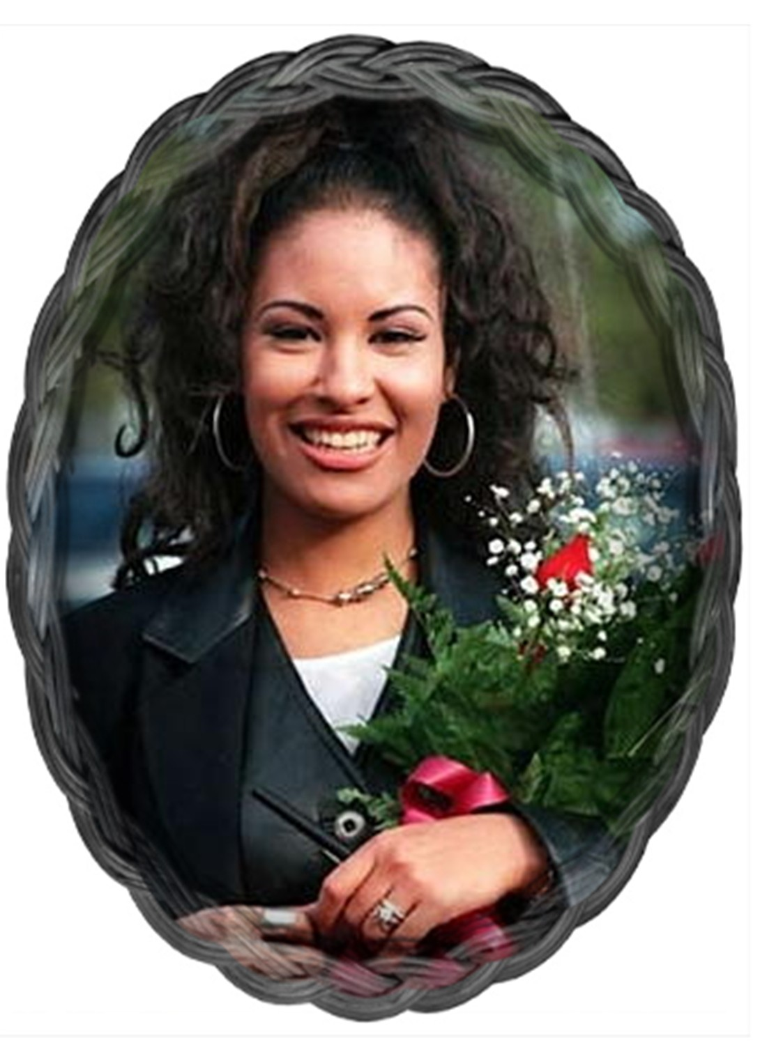 a biography of selena quintanilla an american singer Selena quintanilla biography, life, interesting facts selena quintanilla was an american singer who is best known for her tejano and latin music and her murder in 1995 childhood and early.